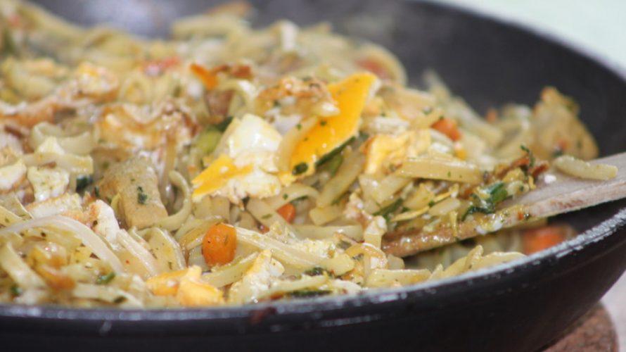 Zelf een rijsttafel maken? 8 verrukkelijke tips!