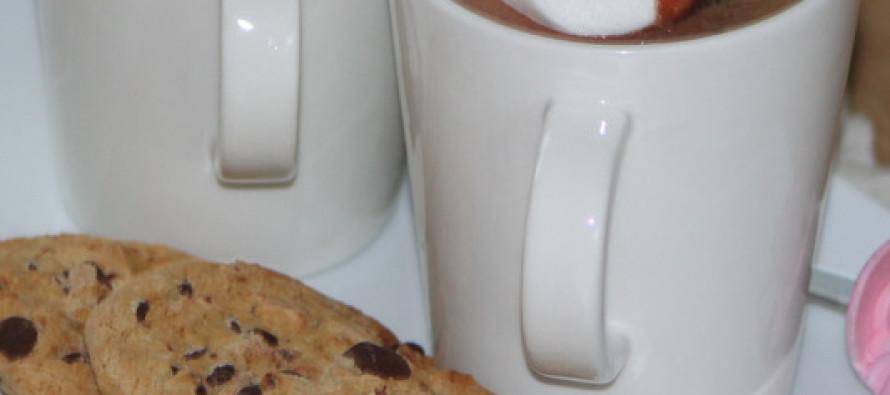 Warme chocolademelk met marshmallows