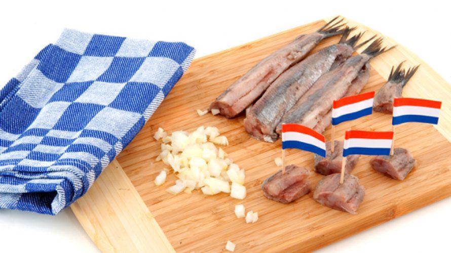 https://lekkertafelen.nl/wp-content/uploads/2012/05/haring-hollands-890x500_c.jpg