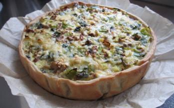 Quiche met vegetarische balletjes, champignons en prei
