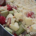 Boeren crumble, met aardbeien en rabarber