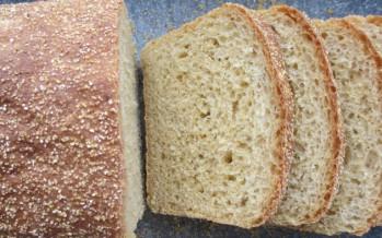 Knapperig maïsbrood met polentakorst