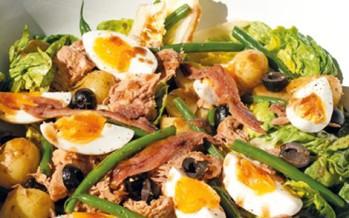 Snelle zomerse salade Nicoise (maaltijdsalade)