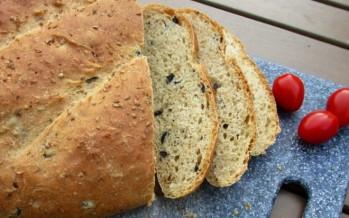 Zelf geurig olijvenbrood maken