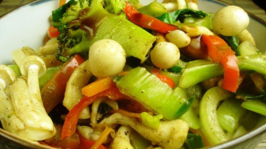 Noedels met Chinese paddenstoelen