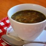 Budgettopper: Smaakvolle uiensoep voor het einde van de maand
