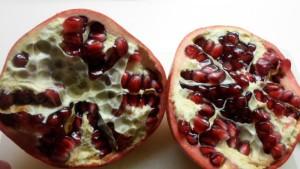 granaatappel- dwarsdoorsnede