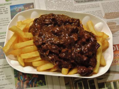 Limburgs zoervleisj- frietje zoervleisj