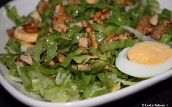 Andijvie salade. Eenvoudig en toch verrassend