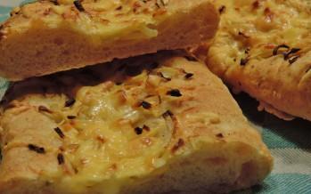 Stokbrood met kaas en ui tover je zo uit je eigen oven