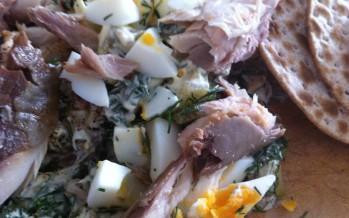 Salade met gerookte makreel en ei