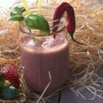 Spicy smoothie met aardbei en basilicum