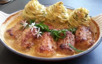 Hondshaai, peterseliepuree en sausje met grove mosterd