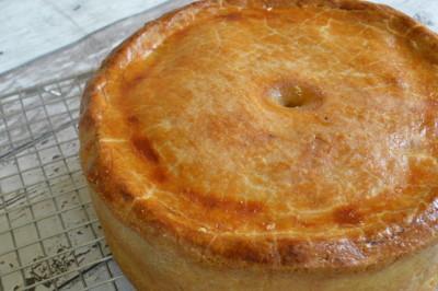 Pie met gehakt, mais en abrikozen