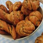Hartige olijvenbroodjes; daar hoeft geen beleg op!