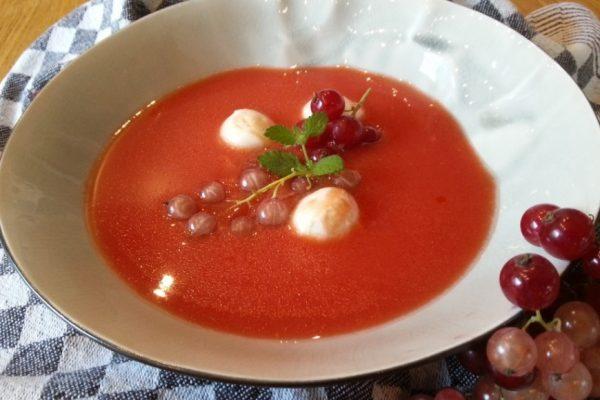 Watermeloen-tomaat soep