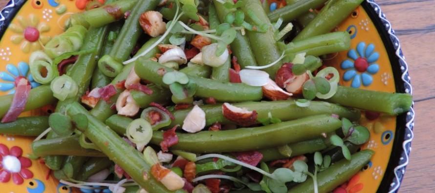 Sperziebonen salade met hazelnoot en mustardcress