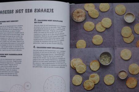 Zelf crackers bakken; een boekje van Sue Quinn