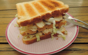 Clubsandwich met Chinese kool en kip – Zo eet je meer groenten