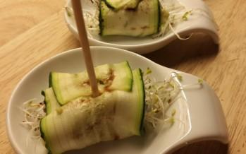 Courgette rolletjes met avocado puree en kappertjes