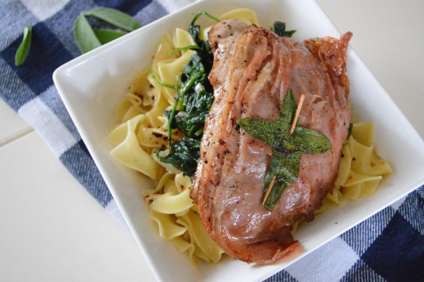 Kalfsschnitzel met Parmaham en salie