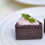Aardbeienmousse in After Eight bakjes