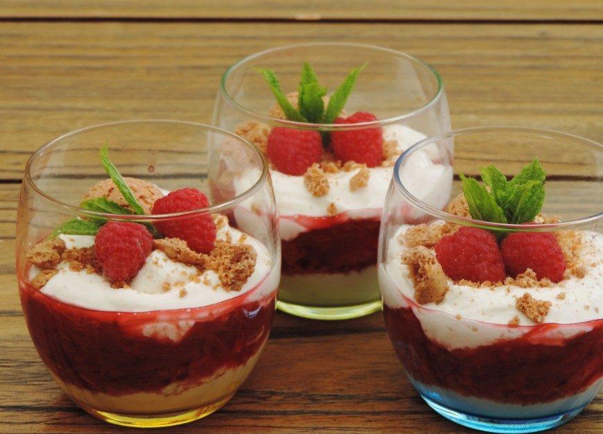 romig dessert met frambozen