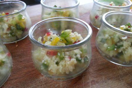 Couscous hapjes met gerookte zalm (1)