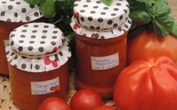 Pittige tomatensaus van verse tomaten