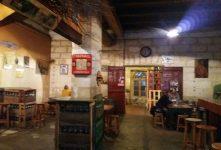 La Cave de la Guignette in La Rochelle; hier staat de tijd stil