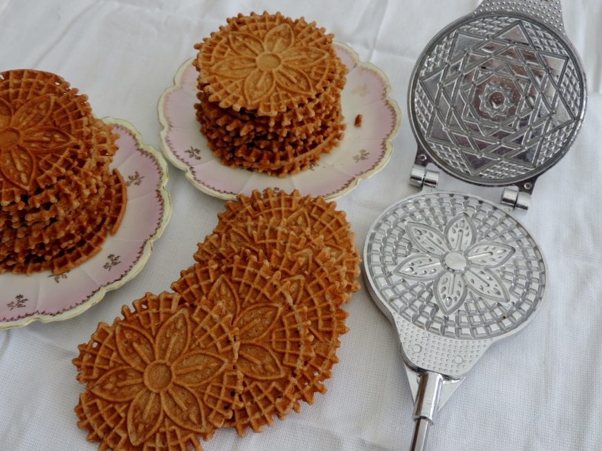 Speculaas wafeltjes of Pizzelli