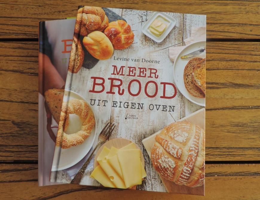 Meer brood uit eigen oven door Levine van Doorne
