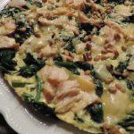 Omelet met spinazie, zalm en kaas