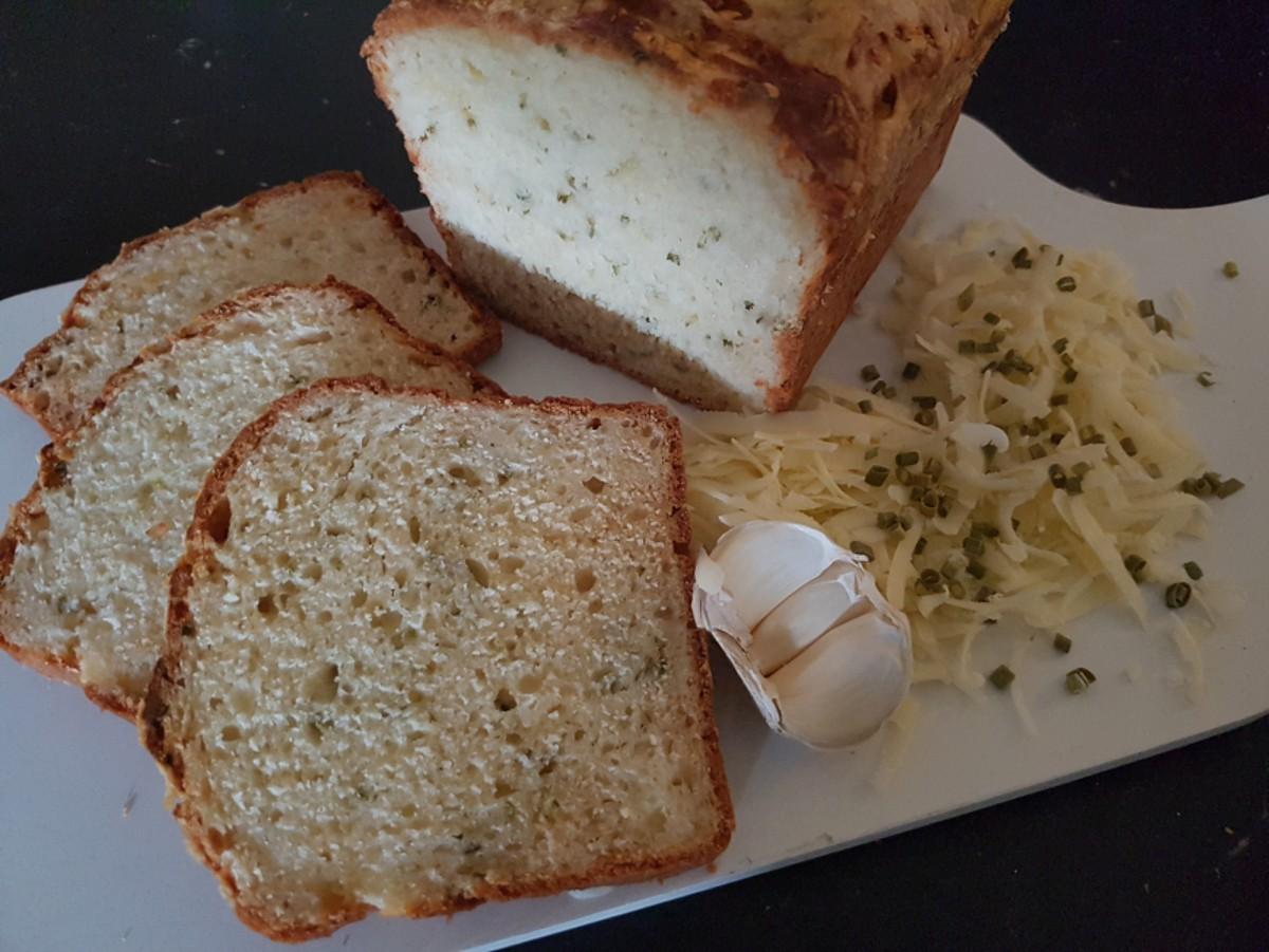Knoflook-kaasbrood