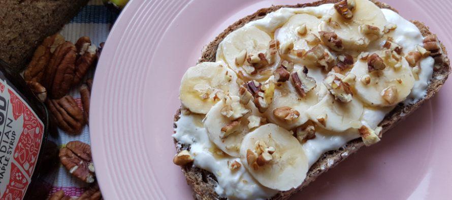 Sandwich met roomkaas en banaan