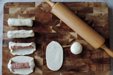 Worstenbroodjes uit eigen oven  Worstenbroodjes uit eigen oven