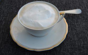 Cappuccino van champignonsoep