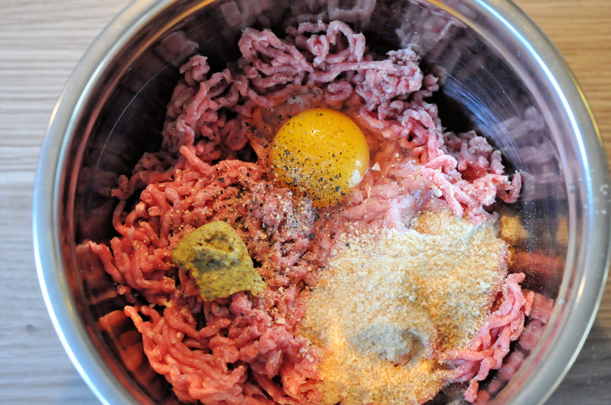 Gehaktballen-in-de-jus-basisgerecht-om-zelf-te-maken-ingrediënten