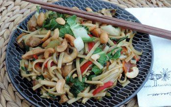 Bami met kip en paksoi – Laat die bamigroenten pakketten maar liggen