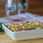 Kip-prei gratin met knoflook cheese crumbles