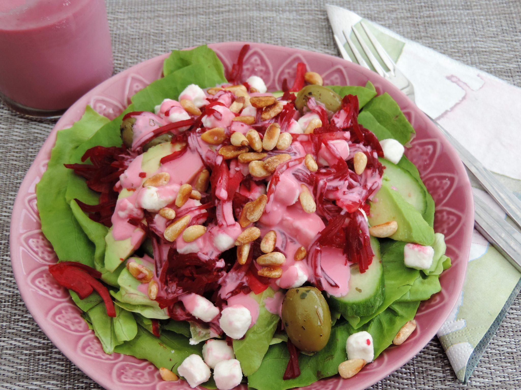 Salade van rode bietjes