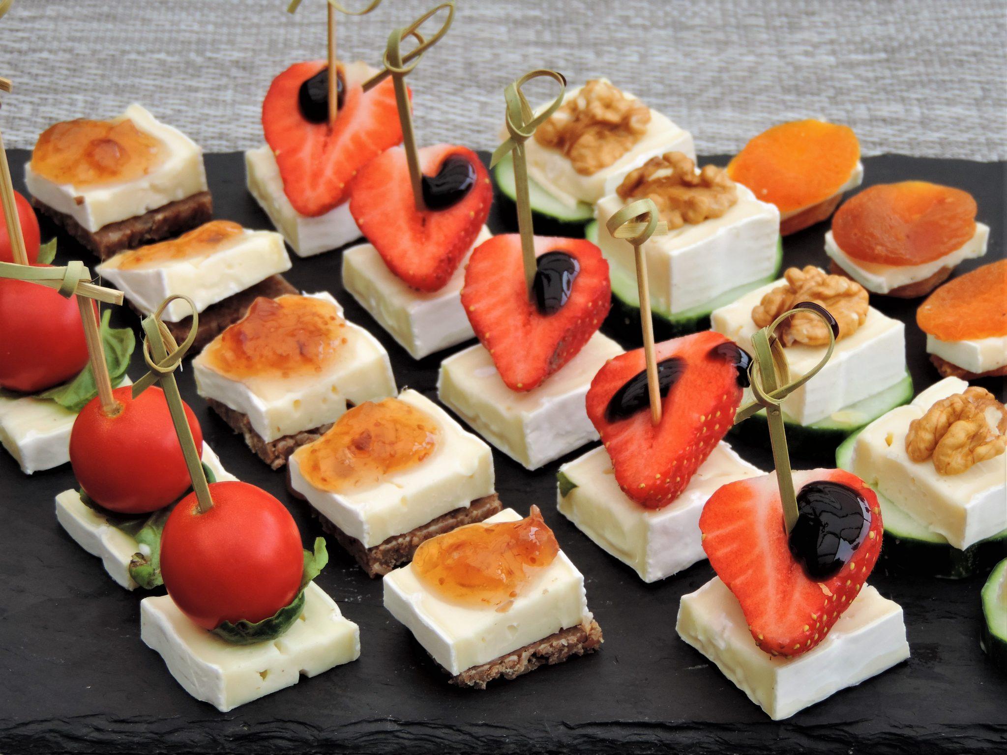 Top Hapjes met brie; Vijf ideeën voor de borreltafel | Lekker Tafelen &VL76
