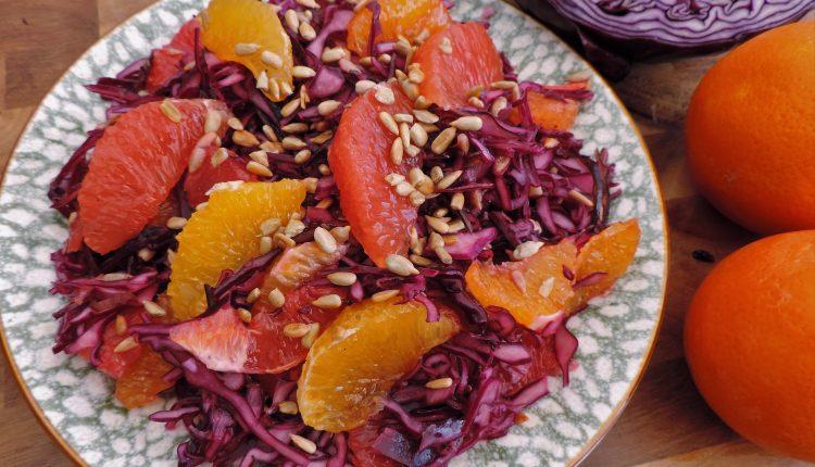 Salade van rode kool mineola grapefruit
