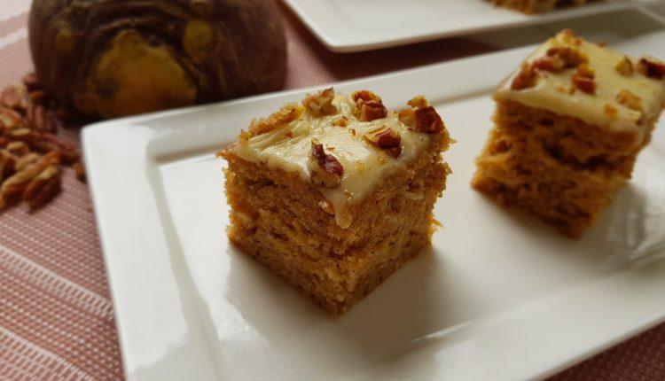 Cake met koolraap en een zacht, zoete boter topping