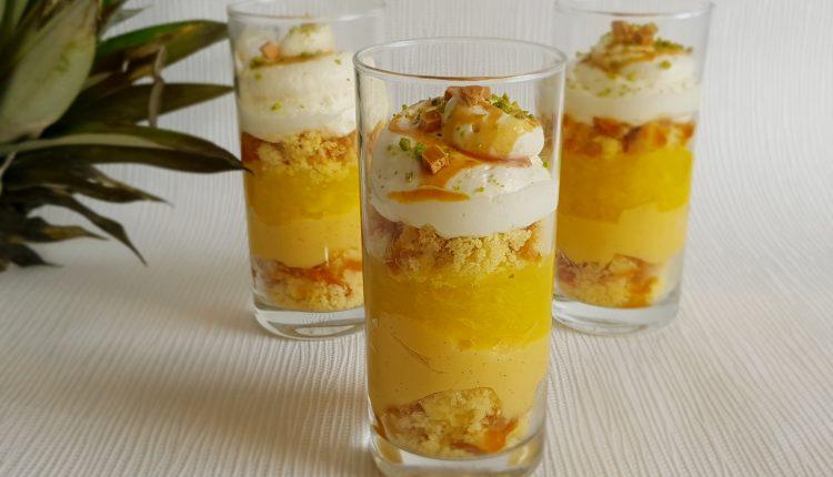 Trifle met ananas en butterscotch