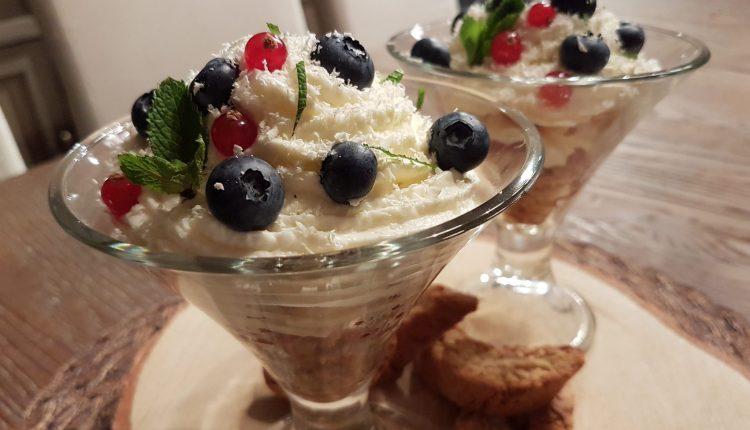 Trifle met basilicumlikeur en cantuccini