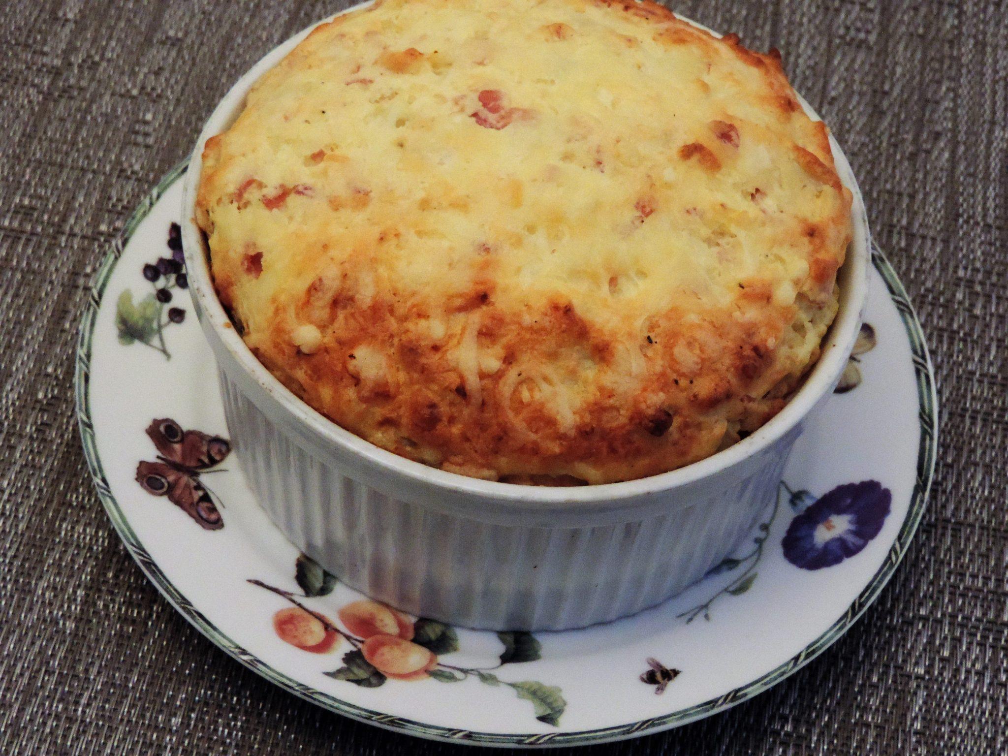 Bloemkoolsoufflé met ham en kaas