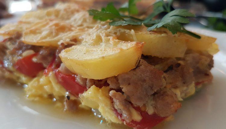 Ovenschotel met courgette, tomaat en gehakt
