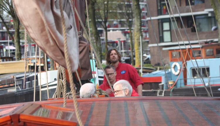 Culinaire zeiltocht Helena Rotterdam Asperges Zeilboot Oudste zeilschip De Oosterschelde 8451