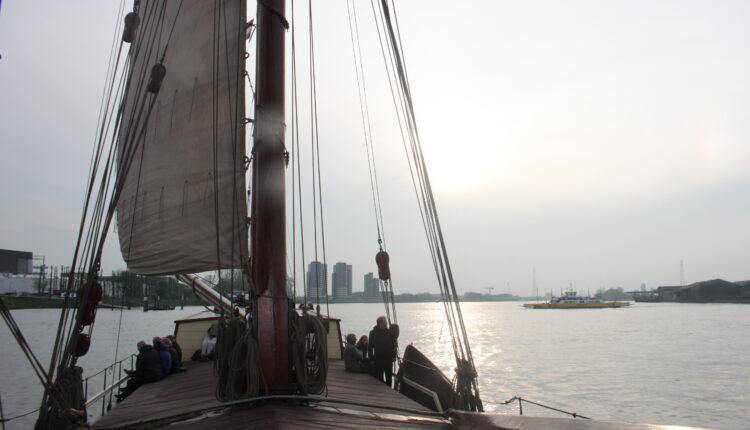 Culinaire zeiltocht Helena Rotterdam Asperges Zeilboot Oudste zeilschip De Oosterschelde 8474